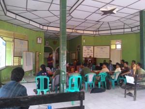 Susasan kegiatan pelatihan di hari pertama, Kantor Desa Pasirjaya