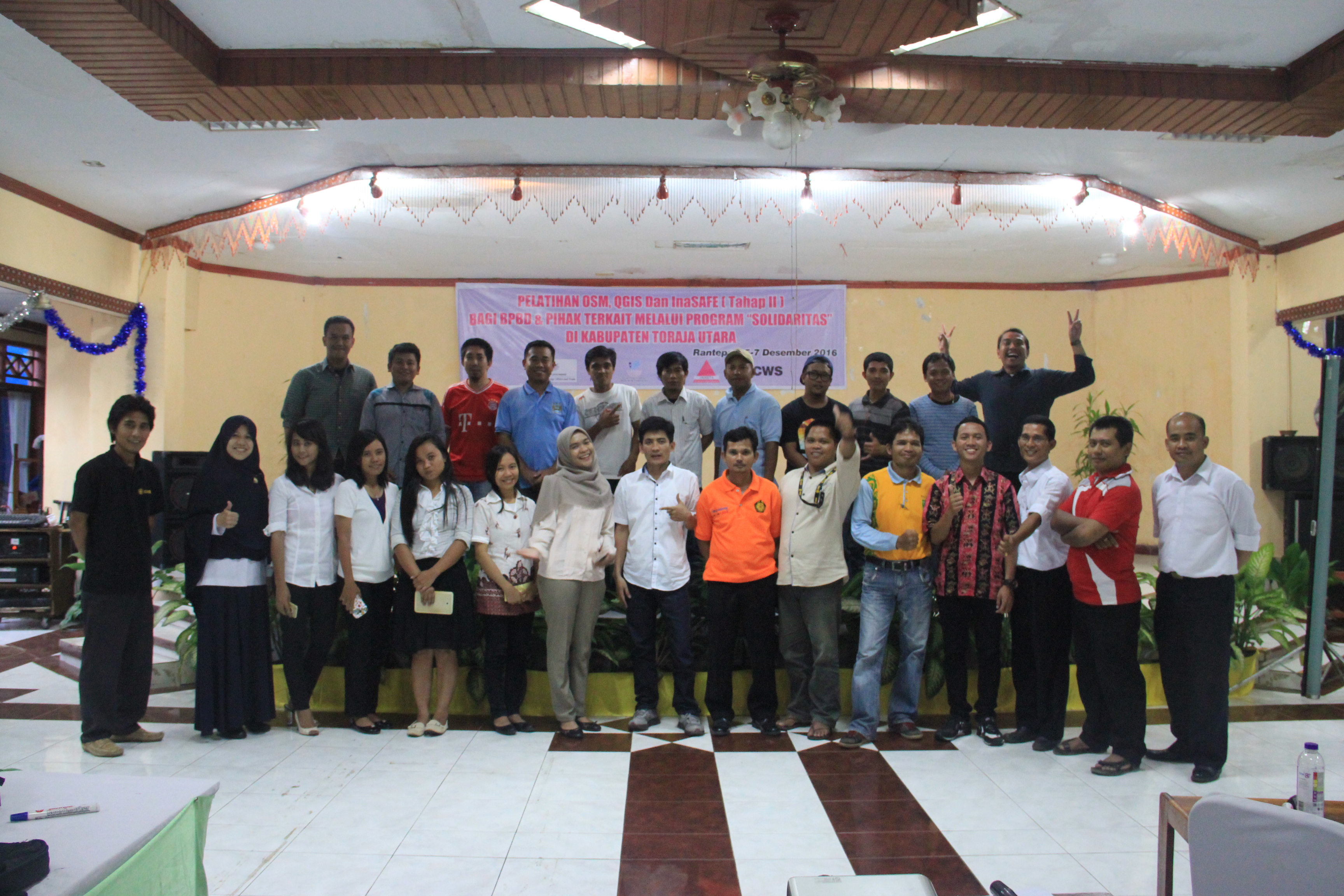 Photo session with all participants and trainers